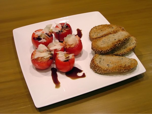 Small vine tomatoes stuffed with White Tuna (Albacore) and Idiazabal cheese