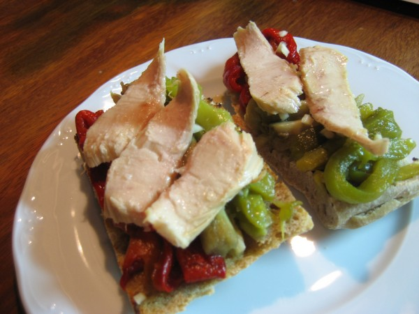 "Toast with Catalan vegetable medley and White Tuna (Albacore) ""Ventresca"" Fillets"