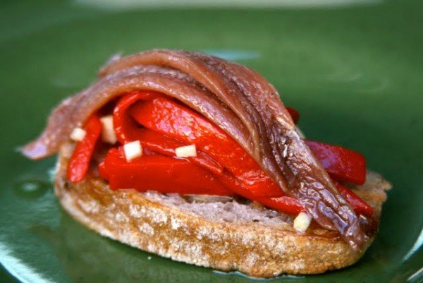 Pintxo with Anchovies from the Bay of Biscay and piquillo peppers