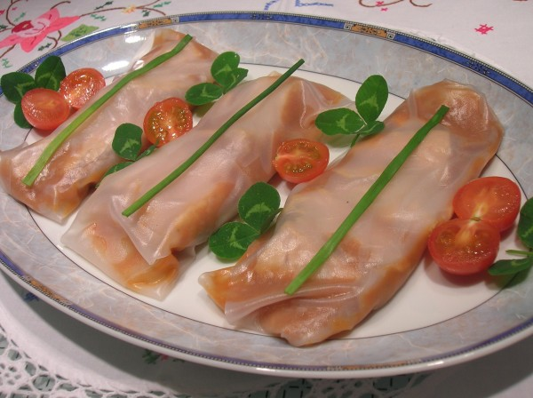 """Bonito del Norte"" rice wrap with purée of Catalan vegetable medley"