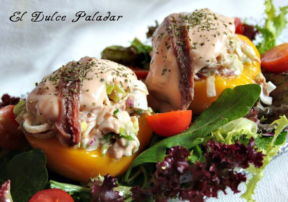 Peaches stuffed with tuna