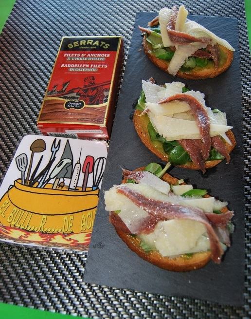 Anchovy and pear toasties