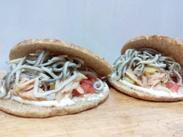 Tuna belly and surimi baby eels sandwich