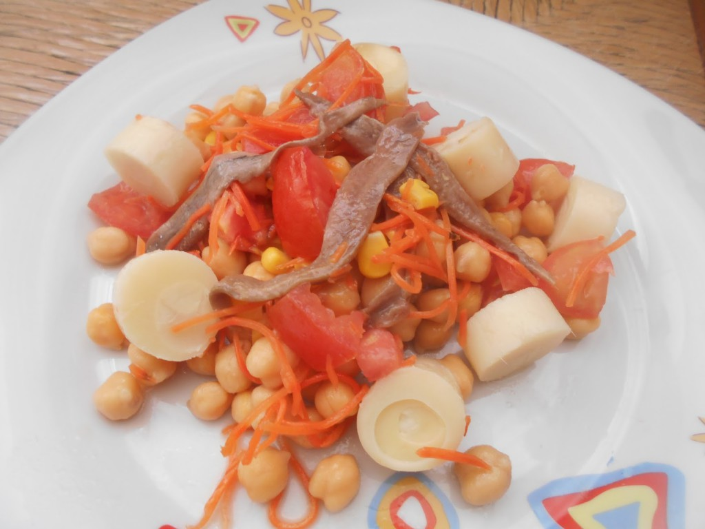 Chickpea salad with Serrats anchovies