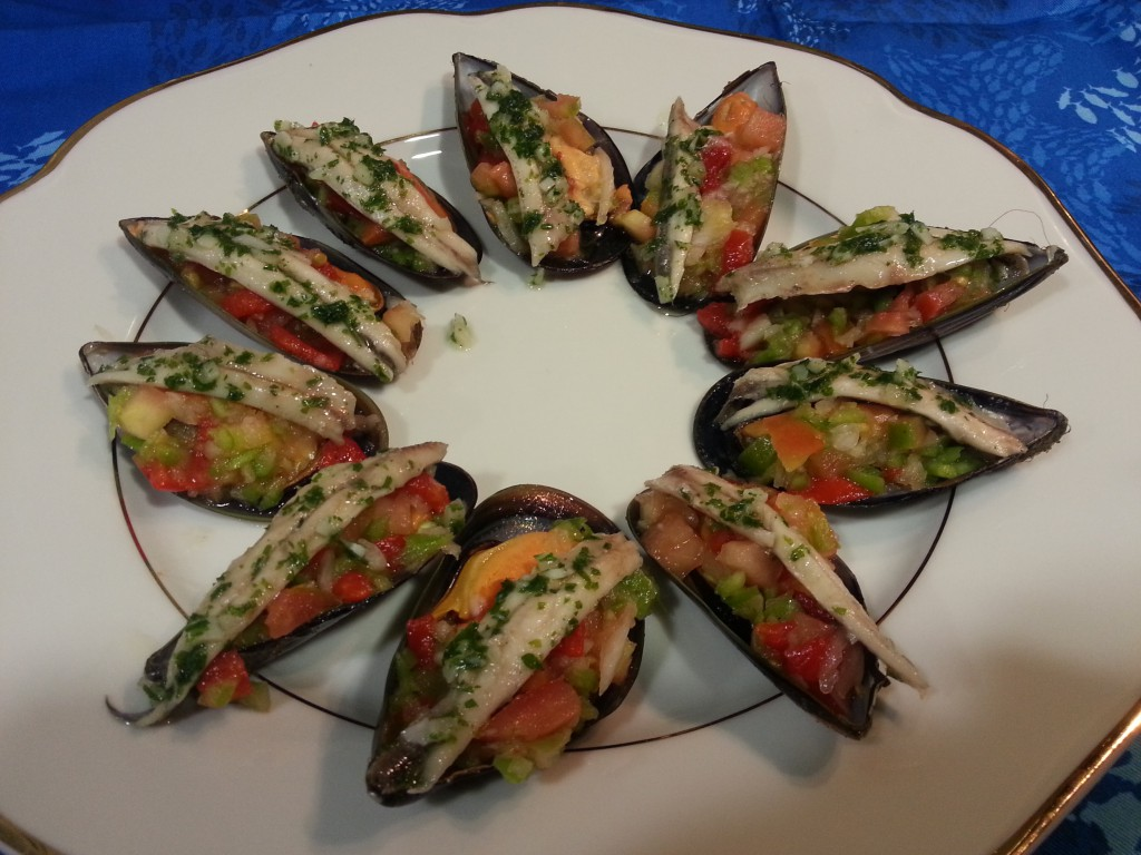 Mussels in vinaigrette with marinated anchovies