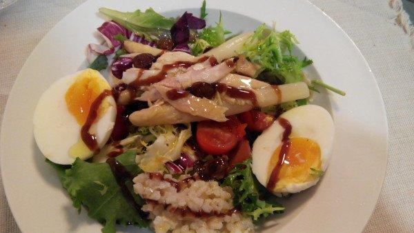 Serrats tuna belly salad with raisins