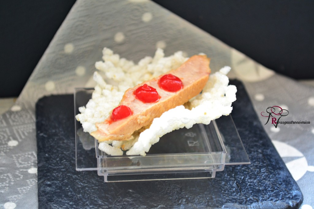 Christmas canapés: Rice cracker with white tuna belly