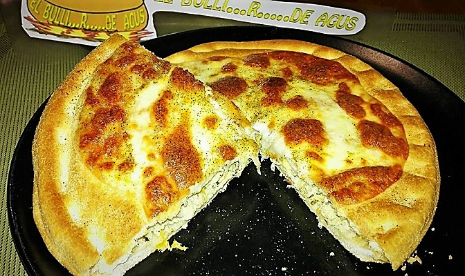 """Foccapizza"" (foccaccia + pizza) with tuna in brine"