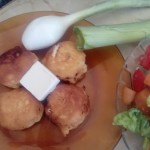 Crunchy tuna with cheese and black garlic