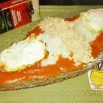 Cuban-style rice with white tuna
