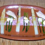 Asparagus with tuna belly and vinaigrette tapa