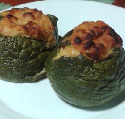 Zucchini stuffed with yellowfin tuna