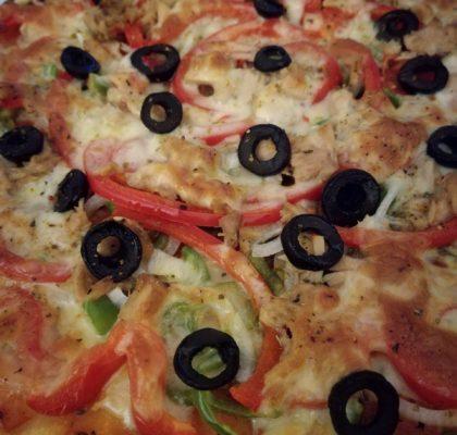 """Ladybug"" pepper and tuna pizza"