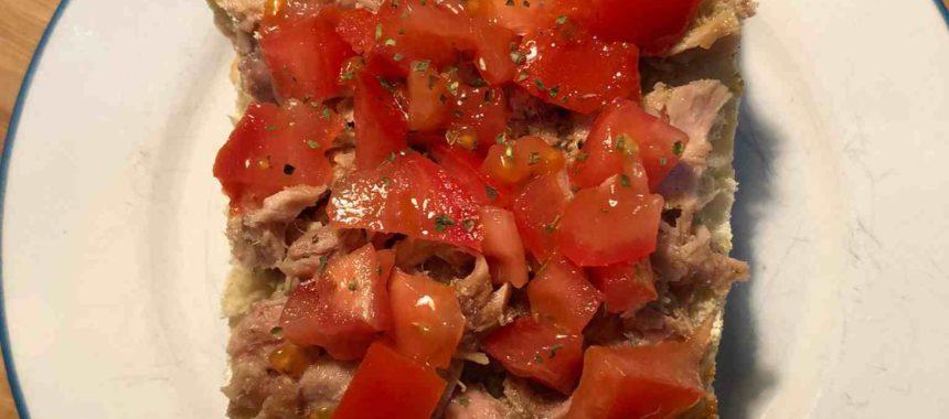 Bruschetta of chopped tomato and white tuna