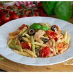 Pasta with tuna and cherry tomatoes