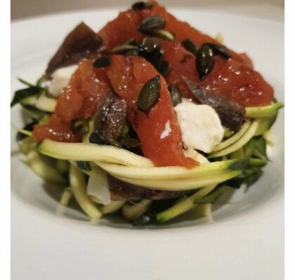 Zucchini salad with anchovies, mozzarella and confit tomato